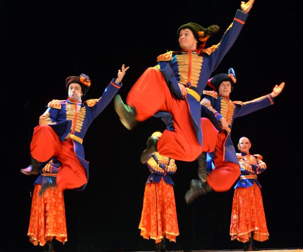 В рамках «Новогодней ярмарки» пройдет праздничный концерт с участием творческих коллективов муниципальных учреждений культуры Краснодарского края.